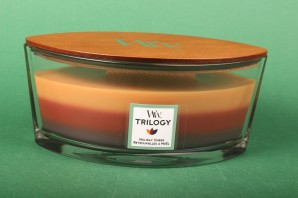 """WoodWick® Trilogy """"Holiday Cheer"""" Ellipse Jar 453.6 g"""